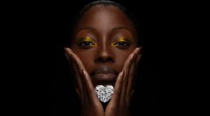 diamante con forma de corazón