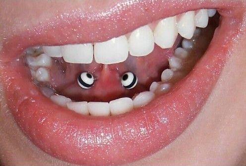 piercing en el frenillo de la lengua